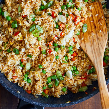 Do you like hibachi? This Japanese fried rice (hibachi style) is a must try. Simple ingredients, a wok, and 20 minutes of time will result in the most delicious hibachi rice you've ever tried.