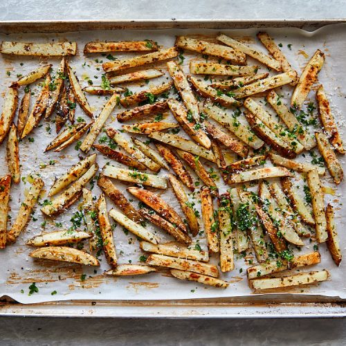 Truffle fries recipe instructions – sprinkle freshly grated Pecorino cheese and chopped parsley