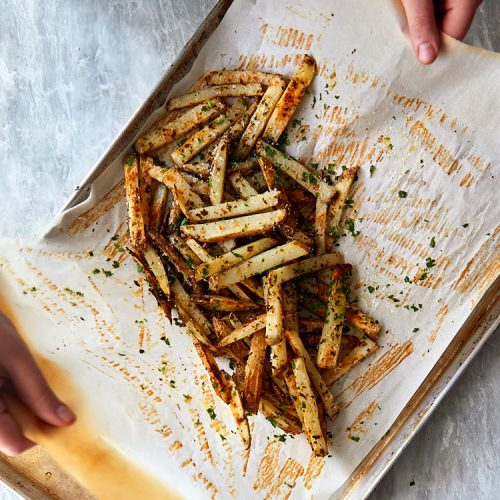 Truffle fries recipe instructions – toss the fries and garnish together