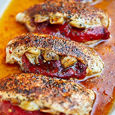 Roasted Pepper and Garlic Stuffed Chicken Breast | ifoodblogger.com